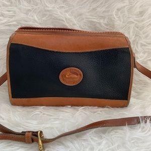 Vintage Dooney and Bourke crossbody bag